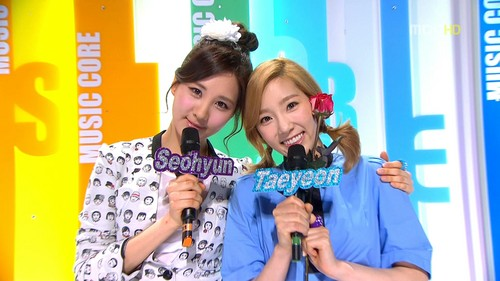 Seohyun TaeNyHyun MCing संगीत Core Screencap