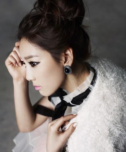 Taeyeon @ 2011 Singles Magazine P