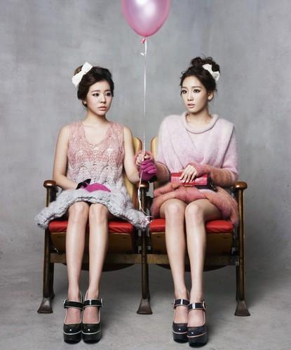 Taeyeon&Sunny @ 2011 Singles Magazine