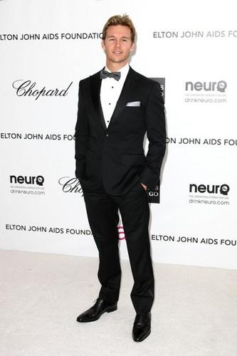 The Annual Elton John Oscar Viewing Party