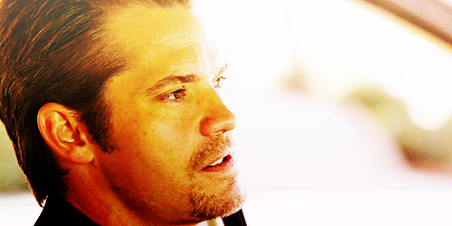 Timothy Olyphant wallpaper possibly with a business suit entitled Timothy Olyphant