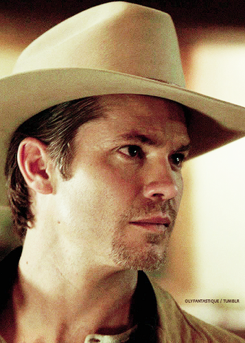 Timothy Olyphant wallpaper with a snap brim hat, a campaign hat, and a sombrero titled Timothy Olyphant
