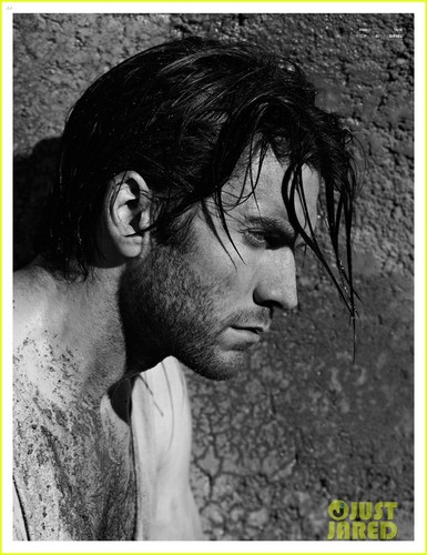 Hottest Actors wallpaper titled Wes Bentley: Shirtless for 'Flaunt' Feature