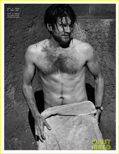 Wes Bentley: Shirtless for 'Flaunt' Feature