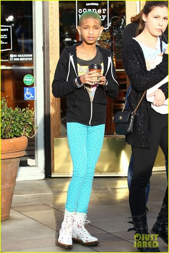 Willow Smith: Green-Haired Girl