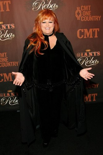 Wynonna Judd kertas dinding probably containing a cloak, an opera cloak, and a capote titled Wynonna Judd