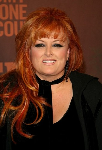 Wynonna Judd wallpaper probably containing a portrait called Wynonna Judd