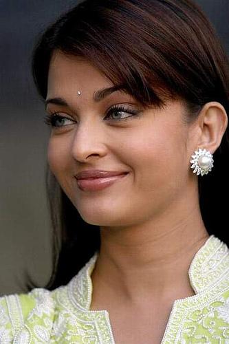 aish - aishwarya-rai-bachan Photo