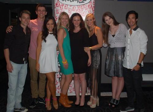 cast & crew at the DA2 premiere