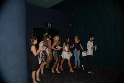 cast going in to see the DA2 premiere screening