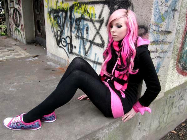 ira vampira scene queen emo girl pink black hair
