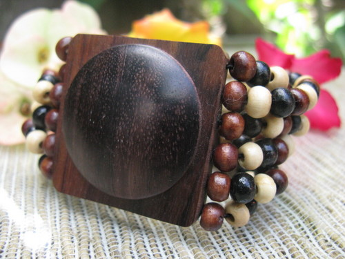 stetches bracelet wooden beads allseasonjewelry.com