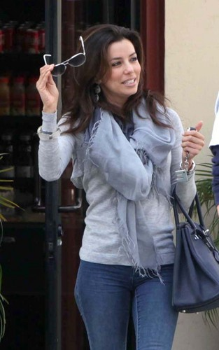  Eva Longoria out on her birthday morning today at Brighton Coffee Shop in Beverly Hills - desperate-housewives Photo