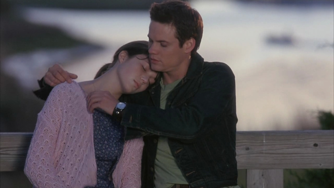 a walk to remember the movie A walk to remember (2002) 7265 plot: the story of two north carolina teens, landon carter and jamie sullivan, who are thrown together after landon gets into trouble and is made to do community service.