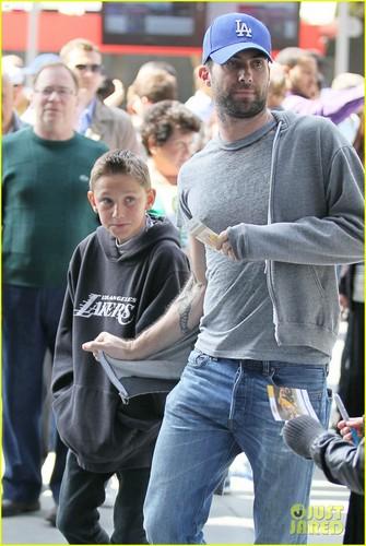 Adam Levine & Tom Brady: Lakers Bros