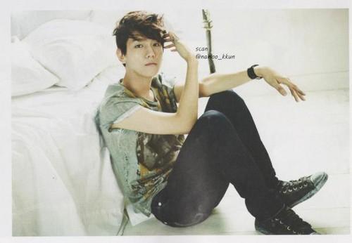 Baek hyun @ High Cut Scan