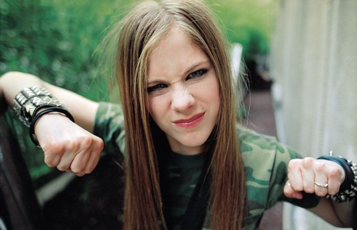 Avril Lavigne پیپر وال containing a portrait entitled Chris Buck photoshoot – 2002
