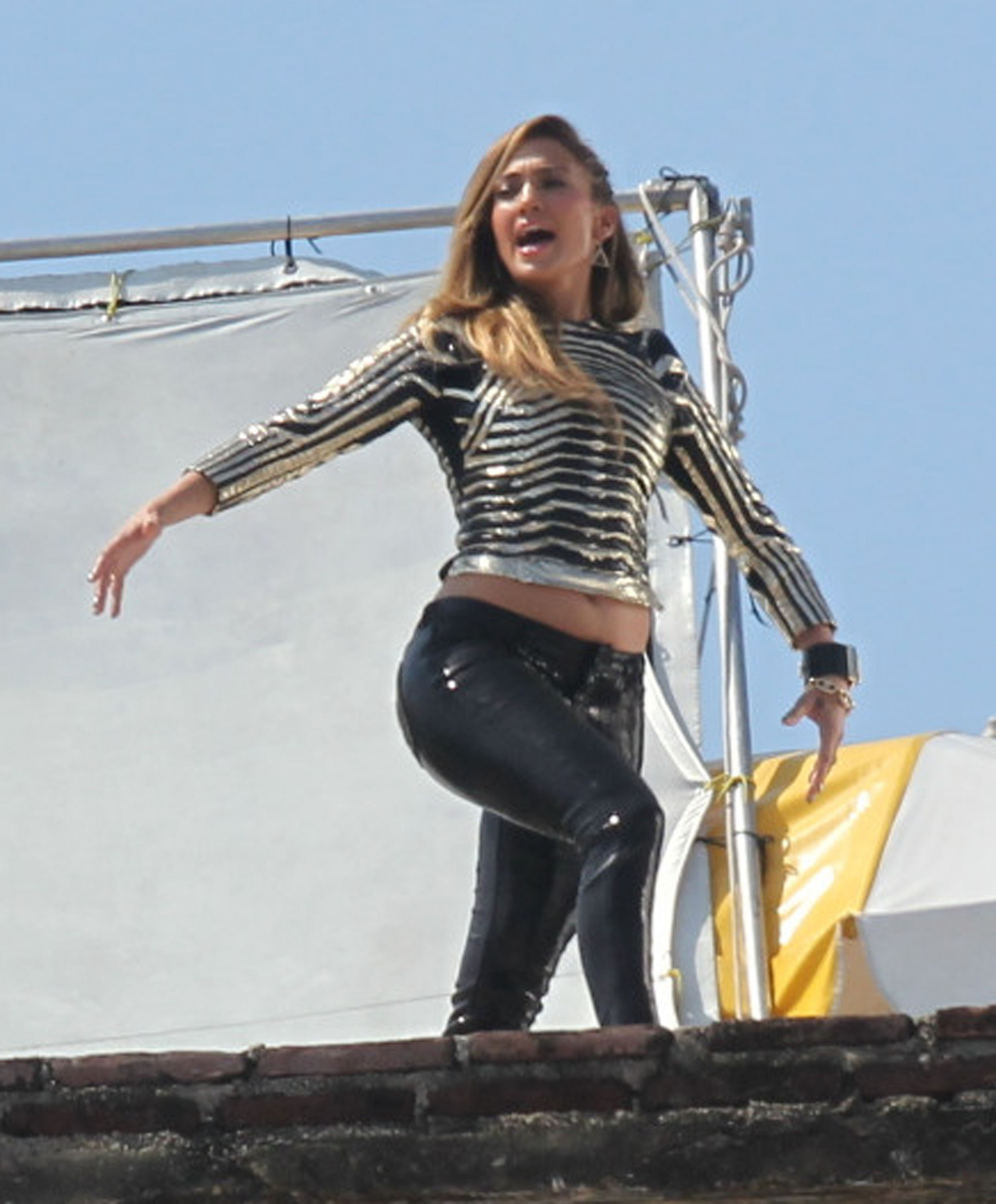 Filming A Music Video In Acapulco [11 March 2012]