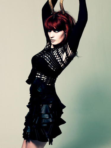Florence + The Machine Hintergrund possibly with a hip boot called Florence <3