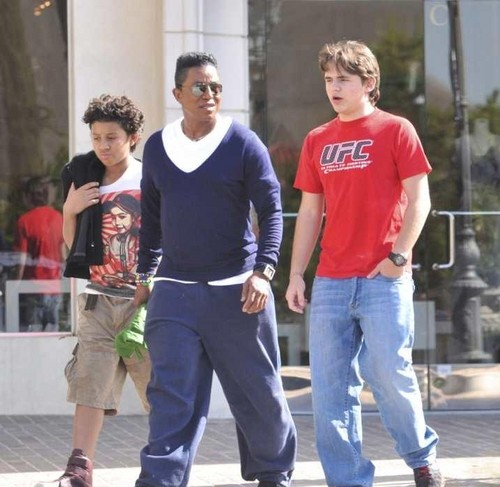 Jermajesty Jackson, Jermaine Jackson and Prince Jackson at the Commons in Calabasas March 11th 2012