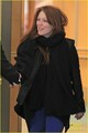 Julianne Moore: Vancouver Landing - julianne-moore photo