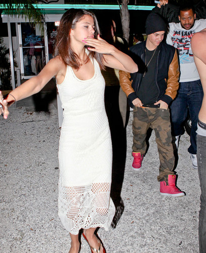 Justin Bieber, Selena Gomez, Ashley Benson and Ryan Good Florida on March 11, 2012