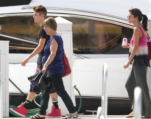 Justin Bieber and Selena Gomez in florida