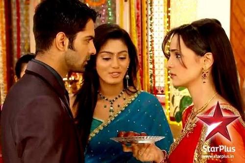 Khushi, arnav and Lavanya