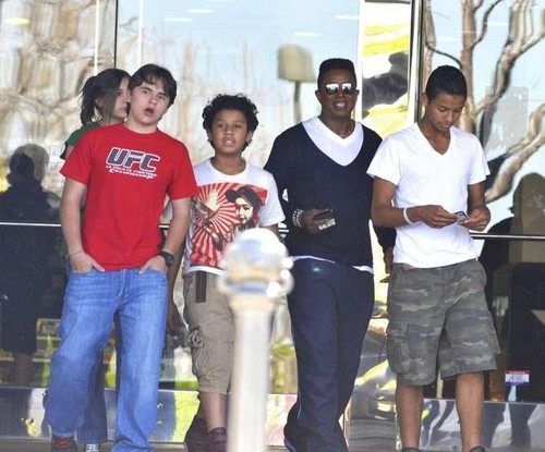 Prince Jackson, Jermajesty Jackson, Jermaine Jackson and Jaafar Jackson at the Commons in Calabasas