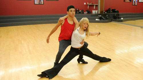 Roshon Fegan & Chelsie Hightower - dancing-with-the-stars Photo
