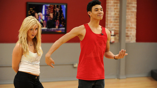 Roshon Fegan & Chelsie Hightower