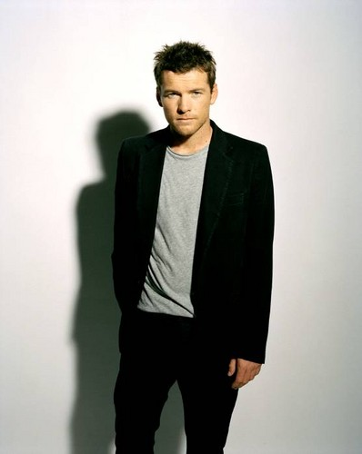 Sam Worthington 壁纸 containing a business suit, a suit, and a well dressed person entitled Sam @ photoshoots