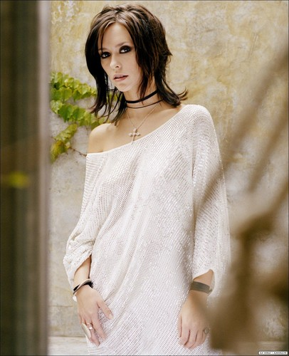 Jennifer Love Hewitt wallpaper probably containing a pullover titled Sarah Maingot Photoshoot
