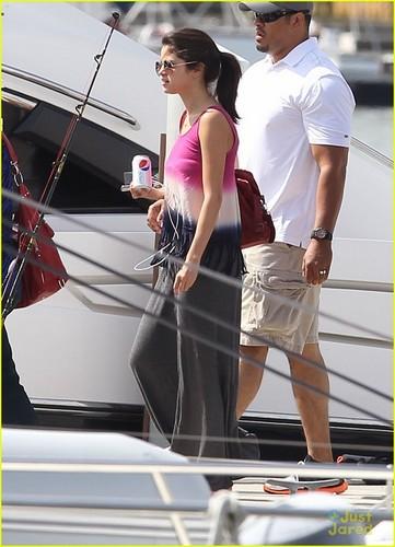 Selena Gomez & Justin Bieber: Fishing in Florida