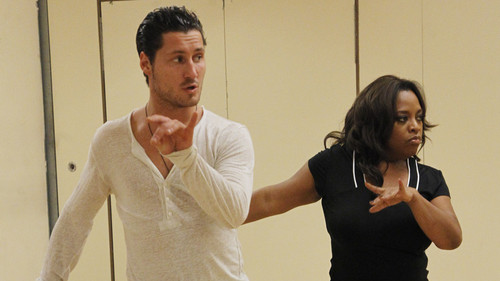 Sherri Shepherd &amp; Val Chmerkovskiy - dancing-with-the-stars Photo