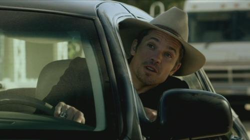Timothy Olyphant پیپر وال possibly with an automobile called Timothy Olyphant