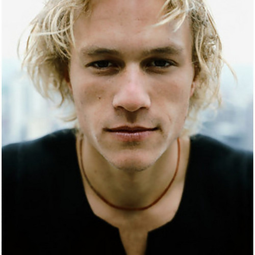 ヒース・レジャー 壁紙 probably containing a portrait entitled heath ledger