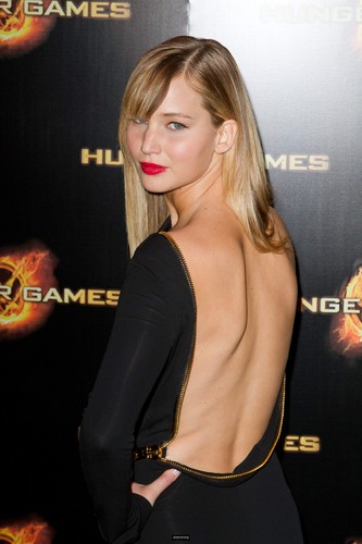 [HQ] THG Paris premiere