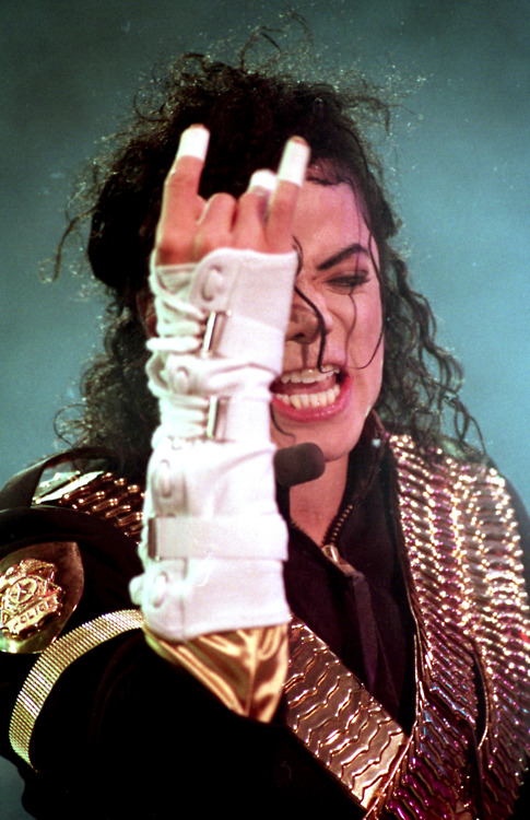 ''I don't think when I dance , my body feels the music.'' ~ Michael Jackson ♥