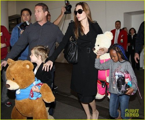 Angelina Jolie, Zahara, & Shiloh: Back in LA