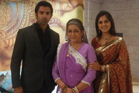 Barun with his onscreen Nani and Di
