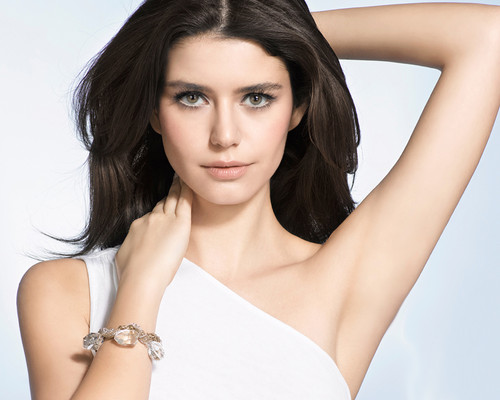 Beren saat wallpaper containing a portrait titled Beren Saat