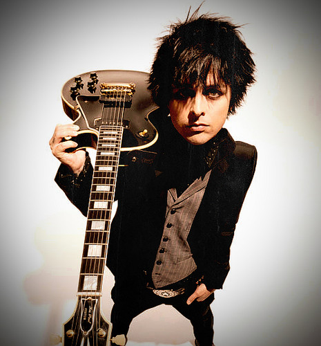 Billie Joe Armstrong wallpaper possibly with a guitarist and an electric guitar titled Billie Joe Armstrong