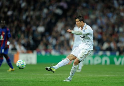 C. Ronaldo (Real Madrid - CSKA Moskva)