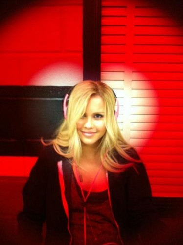 Claire Holt - Twitter. - claire-holt Photo