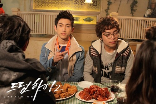 Dream High 2 fond d'écran probably containing a dinner, an antipasto, and a brasserie titled JR & Hong-Joo