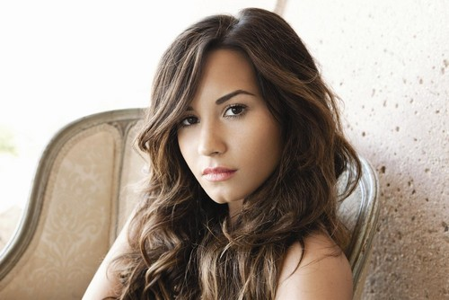 Demi Lovato wallpaper probably containing a portrait called Demi Lovato