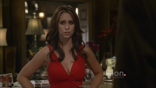 Jennifer Love Hewitt wallpaper entitled Ghost Whisperer Red Dress