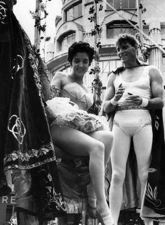 Gina Lollobrigida & Burt Lancaster on the set of Trapeze