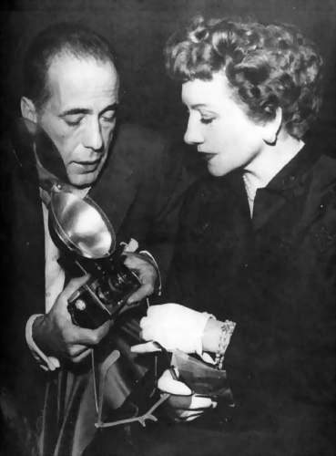 phim cổ điển hình nền titled Humphrey Bogart & Claudette Colbert